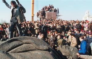 レーニン像の撤去