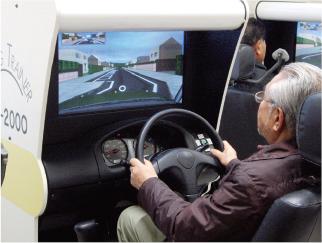 自転車の 自動車運転免許証更新期間 : 運転適性検査器材を用いた ...