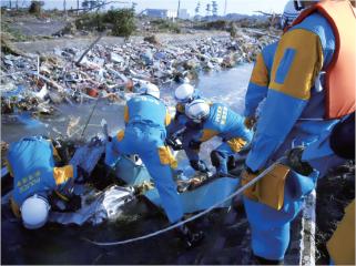 広域緊急援助隊による捜索(写真1) 広域緊急援助隊による捜索(写真1) 広域緊急援助隊による捜索